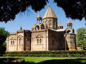 کلیسای اچمیادزین در ارمنستان