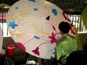 راز ساخت چترهای تایلندی در تور تایلند