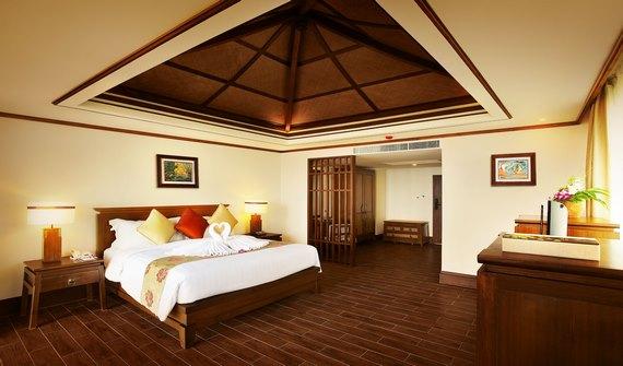 هتل نورا بوری سامویی