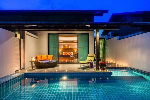 %post هتل بای واتر سامویی
