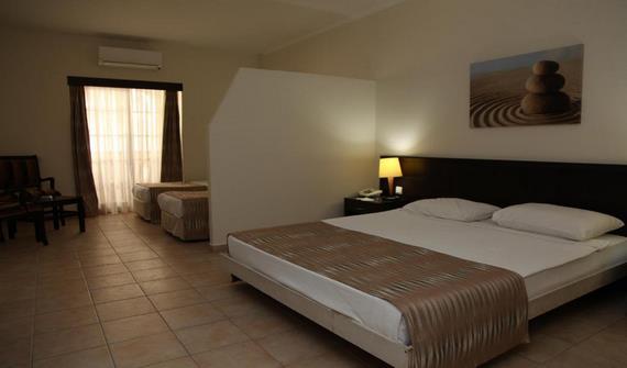 هتل کویینز پارک آنتالیا