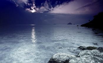 تور-تایلند-در-کنار-دریاچه-نقره-ای