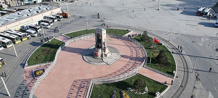 میدان تکسیم در تور ترکیه