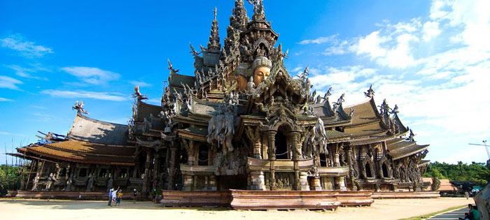سازه ای چوبی در تور تایلند