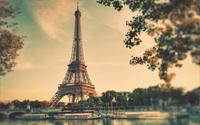 گشت شهری در پاریس با راهنمای محلی