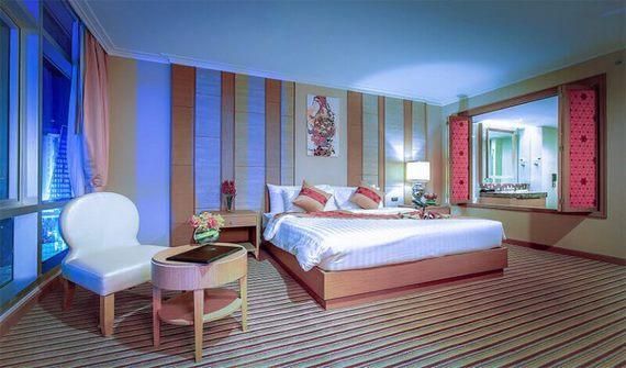 هتل د برکلی بانکوک